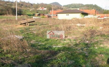 Pozemok v intraviláne obce Poniky – časť Ponická Huta