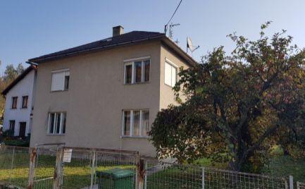 Dom s pozemkom 1100 m2 s prístupom z dvoch ulíc vhodne na bývanie ale aj na firmu