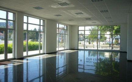 Obchodný priestor na prenájom, 180 m2