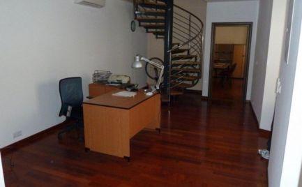 Admin.priestory  119 m2, štandard B, Ventúrska ul.