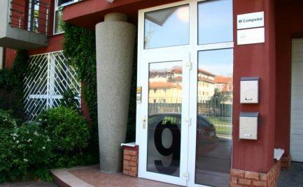 Kancelária, 22,31 m2, vlastná hygiena, ReŠetkova ul., Bratislava - Nové Mesto