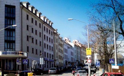 Obchodný priestor na prenájom + parkovanie, 20 m2 výklad, Bratislava - Staré Mesto