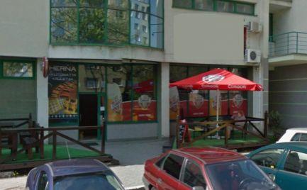 Obchodný priestor na prenájom, 85 m2, výklad, Bratislava - Petržalka