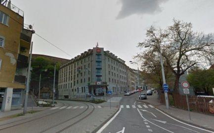 Obchodný priestor na prenájom, 88m2, výklad, Bratislava - Staré Mesto