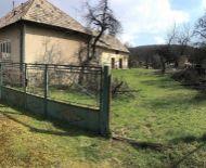 Rodinný dom na hospodarenie s pozemkom 8497 m2