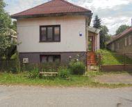 Dva rodinné domy vhodné na rekreáciu blízko Lučenca