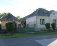 Hospodársky rodinny dom v obci Tomášovce, 2238 m2
