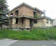 Rozostavaný rodinný dom na predaj v Lučenci