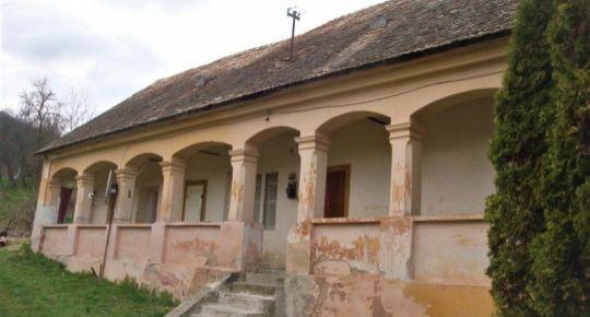 Dom v Ostranoch okr.RS vhodný na chalupu