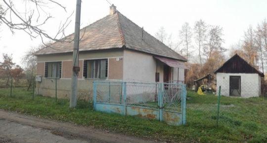 Predám rodinný dom v malej dedinke Bystrička,okres Poltár