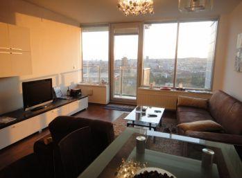 BA III. Prenájom 3 izbového bytu na Bajkalskej ulici   v III. Vežiach