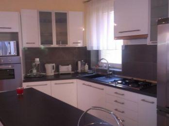 BA I., 3 -izbový byt na Budkovej ceste v rodinnom dome