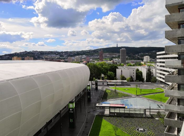 TEHELNÉ POLE, 3-i byt, 96 m2 - centrum Bratislavy AKO NA DLANI, obrovská TERASA, lukratívna lokalita