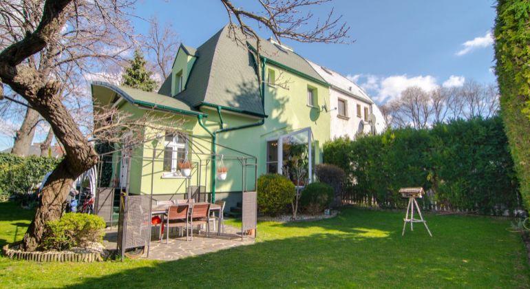 Krásny rodinný dom v tichej lokalite na Trnávke v Bratislave v Ružinove - VIDEOPREHLIADKA
