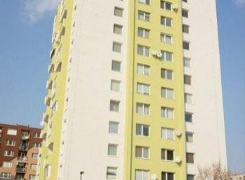 Priestranný 3 izbový byt v centre Senca