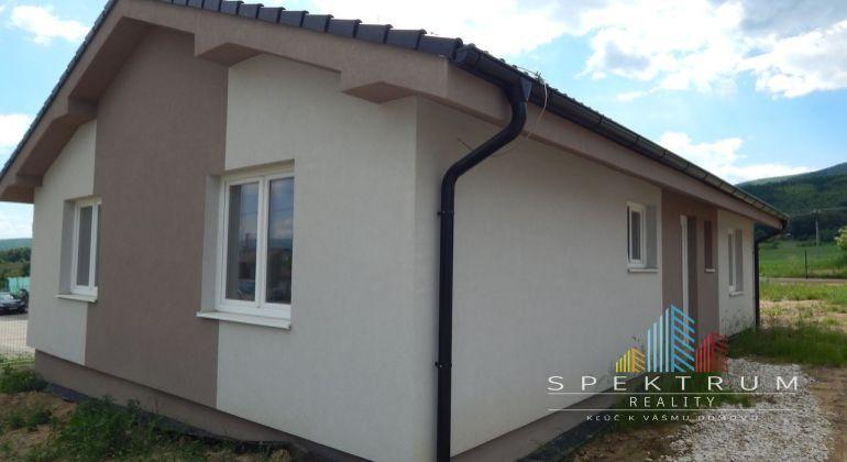 Na predaj 4 izbový rodinný dom, 624 m2, Poruba, okres Prievidza