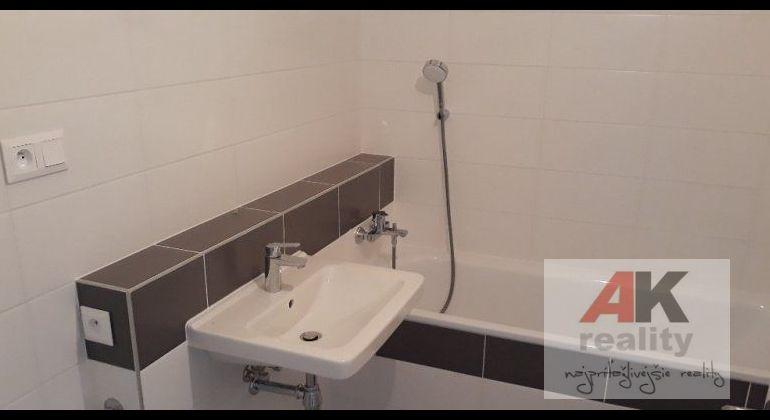 Prenájom 1 izbový byt Bratislava-Ružinov, Mlynské nivy