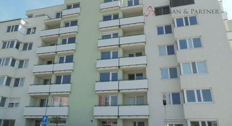 Predaj 2 izbového bytu s terasou v Seredi.