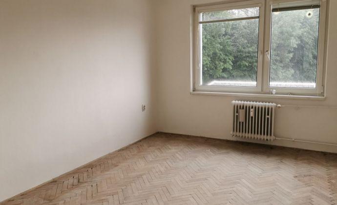 2-izbový byt v Dubnici nad Váhom, Pod kaštieľom