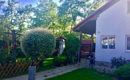 Predaj  dvojpodlažného rodinného domu po rekonštrukcii v centre obce Veľký Grob.
