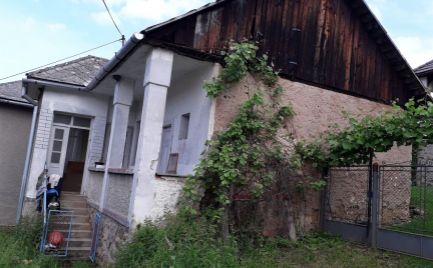 Starší rodinný dom v obci Rakovnica
