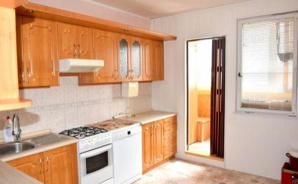 DMPD real Vám ponúka na predaj 3-izbový byt na sídlisku Zápotôčky.