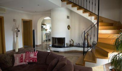 ČELADINCE 5 izb. rodinný dom, pozemok s výmerou 1367m2, ok. Topoľčany