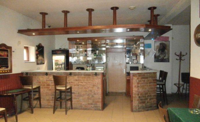 Predaj zabehnutého pohostinstva v centre obci Ohrady