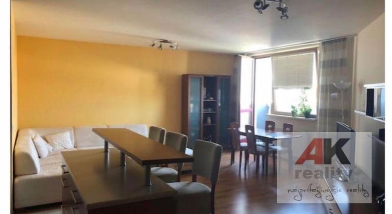 Prenájom 3 izbový byt Bratislava-Ružinov, Záhradnícka