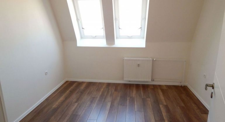 Nová rekonštrukcia- podkrovný 3 iz.byt  s klimatizáciou –Trenčín/JUH