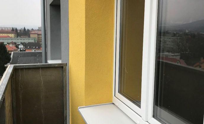 Na prenájom 1 izbový byt v Prievidzi s balkónom