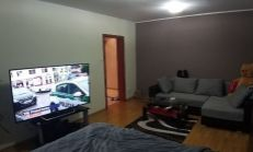 Kompletne zrekonštruovaný 1 izb. byt – zariadený- na Bilíkovej ul. v Dúbravke.