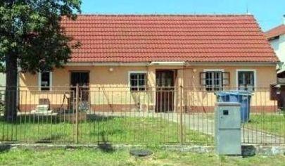 !!!VÝHODNÁ CENA!!! Na predaj 2-izbový rodinný dom Závod