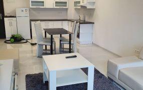 EXKLUZÍVNE IBA U NÁS !!! Ponúkame Vám na prenájom 2 izbový zariadený byt, 54 m2, novostavba ASTRA 2018, Dubnica nad Váhom - Námestie Matice Slovenskej.