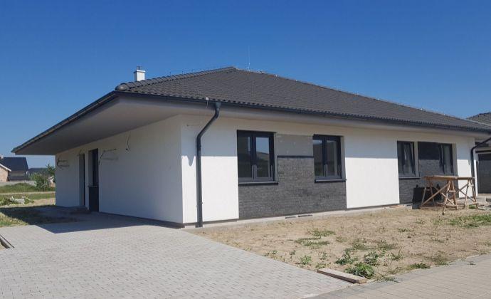 Výhodná ponuka: moderný 4-izbový rodinný dom, slepá tichá ulička pri starej hrádzi, Hamuliakovo – Dunajská Riviéra