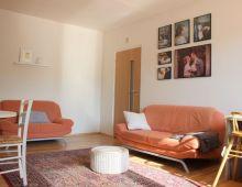 Na predaj slnečný 2,5 izbový byt s BALKÓNOM a LOGGIOU vo vyhľadávanej lokalite bezprostredne pri jazere ŠTRKOVEC, Komárnická ulica, Ružinov.