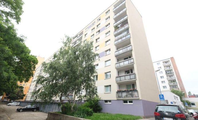 IBA U NÁS: 1-izbový byt vo výbornej lokalite, Budyšínska ul., BA 3