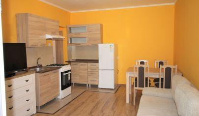 Prenájom - 2 izbový byt s loggiou v tichej časti Dúbravky - Bujnáková ul. TOP PONUKA ! EXKLUZÍVNE !
