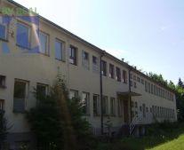 Ponúkame na predaj administratívnu budovu 726 m2 Bojnice 79058