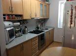 Trnava ponúkame na predaj veľký tehlový 2 izbový byt,prerobený na 3 izbový na Hospodárskej ulici v Trnave exkluzívne iba v Kaldoreal !!!