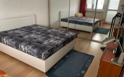 DIEŤA ÁNO - Na prenájom veľký 2 izbový byt s loggiou Tranovského ul. Dúbravka