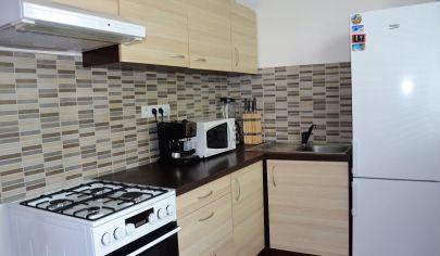 EXKLUZÍVNE na predaj príjemný 2 izbový byt v BA  Dúbravka, ul. Karola Adlera