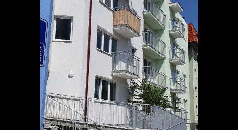 TOP PONUKA - 2 izb.byt s loggiou v novostavbe,ul. Muškátová ,časť Muškát-Pezinok