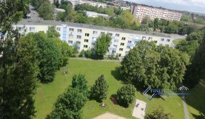 2 - izb. byt na Chrenovej s 2 balkónmi