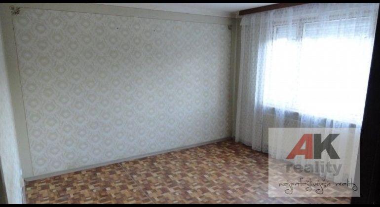 Predaj 3 izbový byt Bratislava-Vrakuňa, Čiernovodská ulica