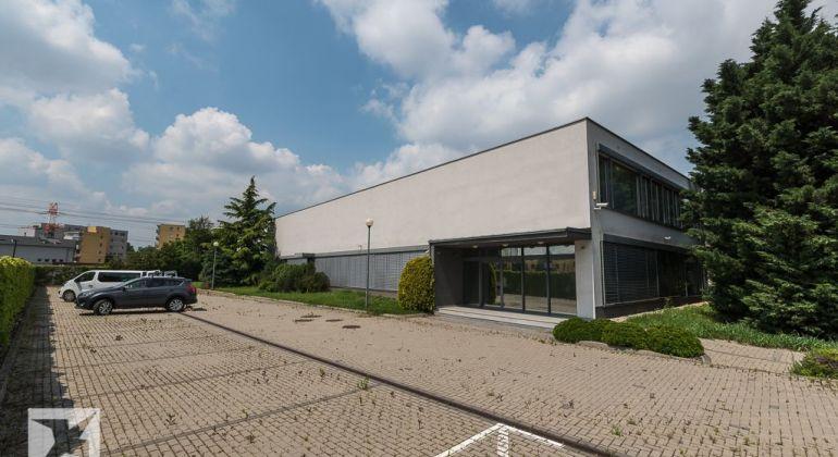 Prevádzkovo - administratívna budova v širšom centre Bratislavy