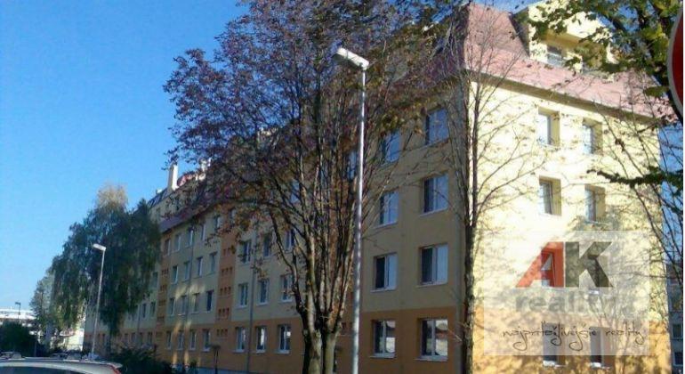 Prenájom 3 izbový byt Bratislava-Ružinov, Babuškova