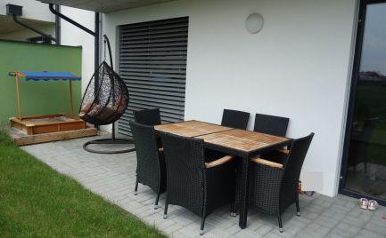 NOVOSTAVBA: Krásny 3-izbový byt s terasou a záhradkou, vl. parkovacím miestom Trenčín-Zlatovce
