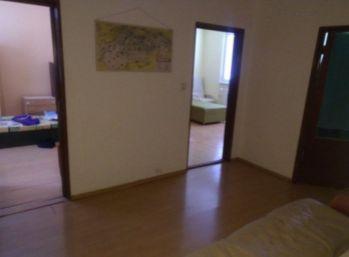 DNV- 3 izbový byt s balkónom a pivnicou