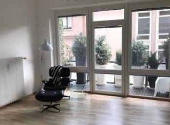 Útulný slnečný byt s terasou v centre mesta